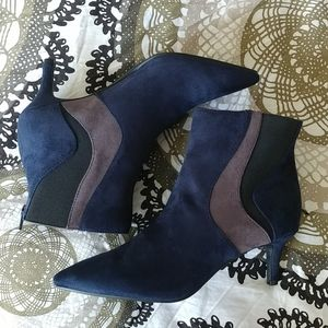 navy blue booties